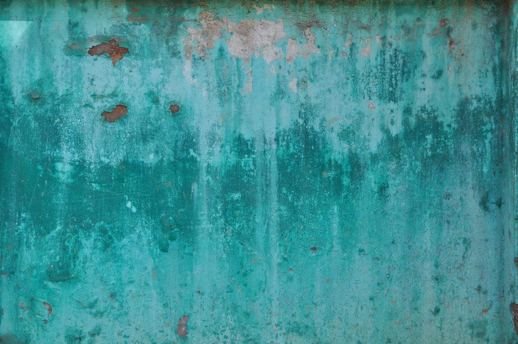 corrosion d'un abri métallique