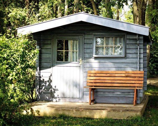 Privilégier quel abri de jardin (métal, bois ou PVC / résine) pour votre maison
