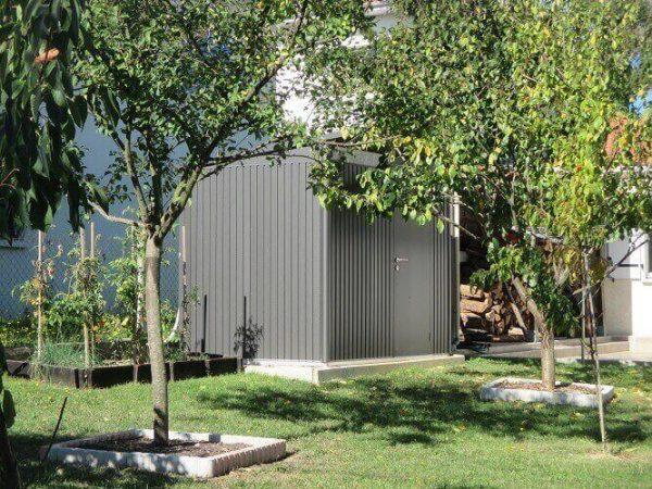 Regardez les comparatifs d'abris de jardin métalliques